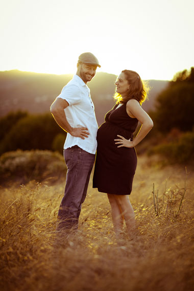 Fun_Maternity_Outdoor_Lovelight_Photo