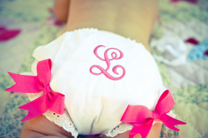 baby_bloomers_embroidered_Lovelight_photo