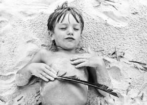 child_beach_feather_HiltonHead_Lovelight_photo