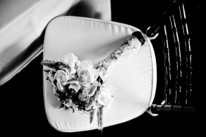 Bridal_bouquet_Presidio_chair_Lovelight_photo-2