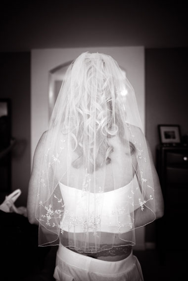 Bride_gettingready_lingerie_Lovelight_photo