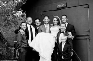 Bride_groomsmen_Lovelight_photo