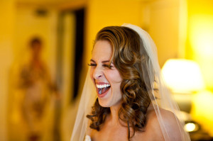Bride_laughing_hotel_Lovelight_photo