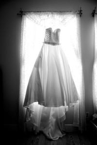 Bride_window_dress_Lovelight_photo