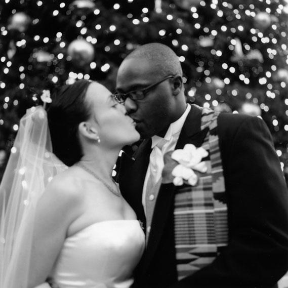 SanFrancisco_UnionSquare_Bride_groom_Lovelight_photo