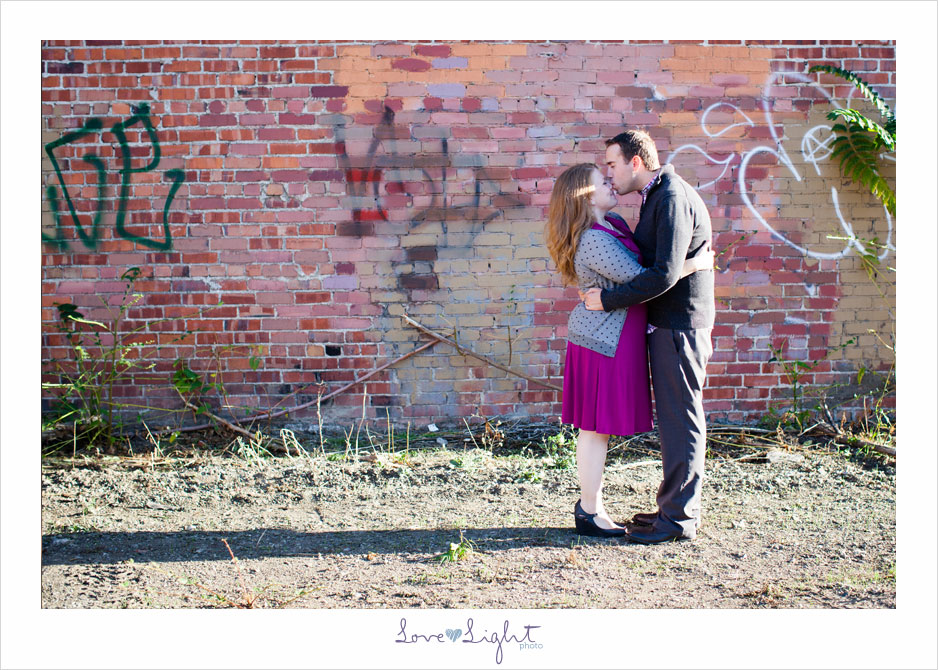 engagement photo graffiti