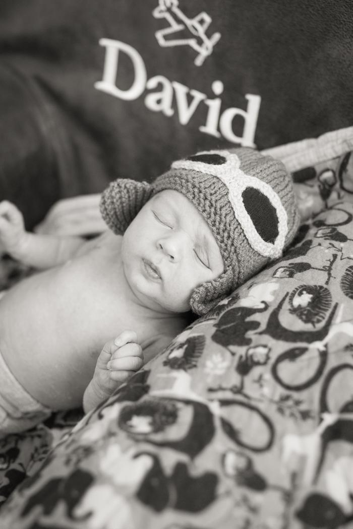 Newborn photo session: baby David